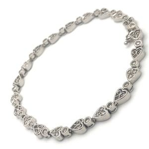 14kt White Gold .55ct(tw) Heart Tennis Bracelet